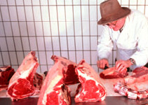 Butchering meat; Foto: Herrmannsdorfer